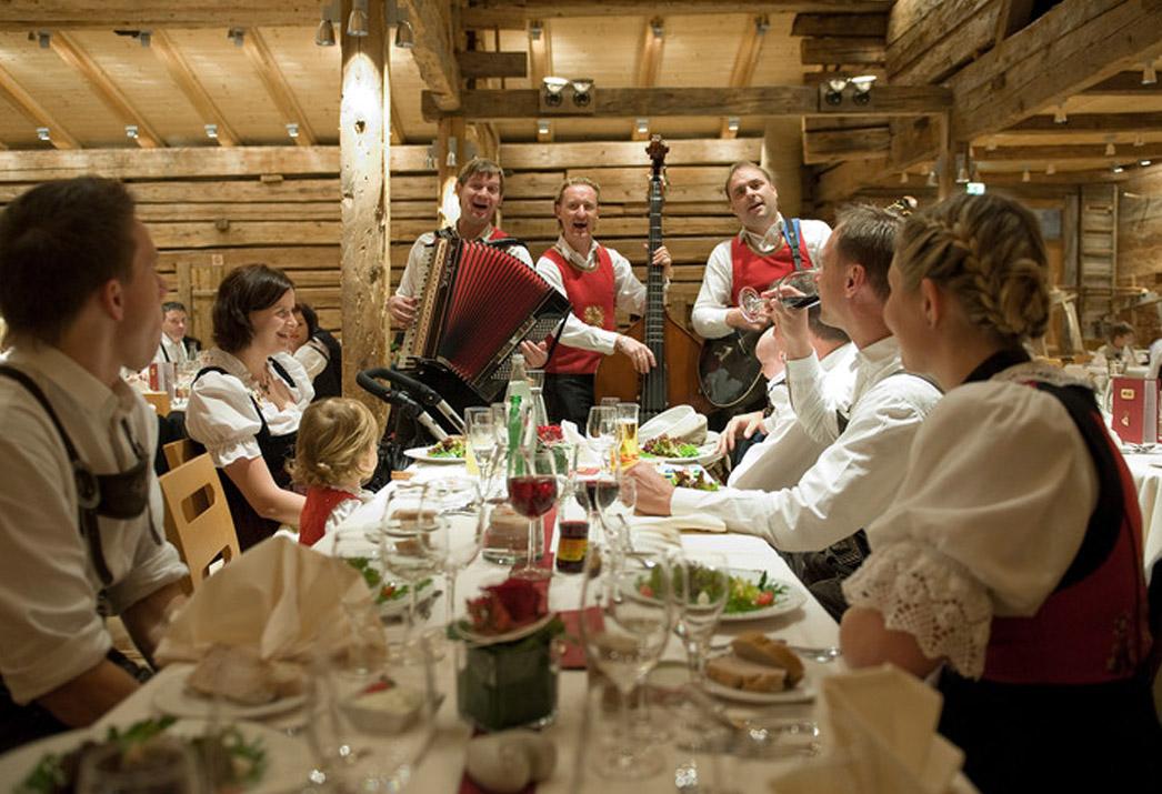 Bummelzug Wildschönau Tirol | Bergbauernmuseum | zBach